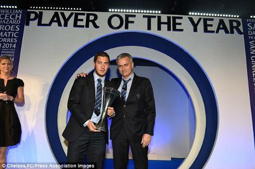 Hazard làm lành với Mourinho, muốn ở lại Chelsea - 1