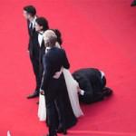 """Phim - """"Điêu đứng"""" với kẻ phá quấy thảm đỏ Cannes"""