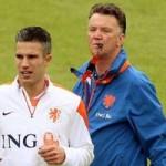 Bóng đá - World Cup còn 27 ngày: V.Persie muốn lấy lòng Van Gaal