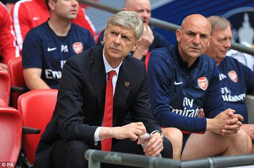 Arsenal: 3.283 ngày ròng & 120 phút diệu kỳ - 2