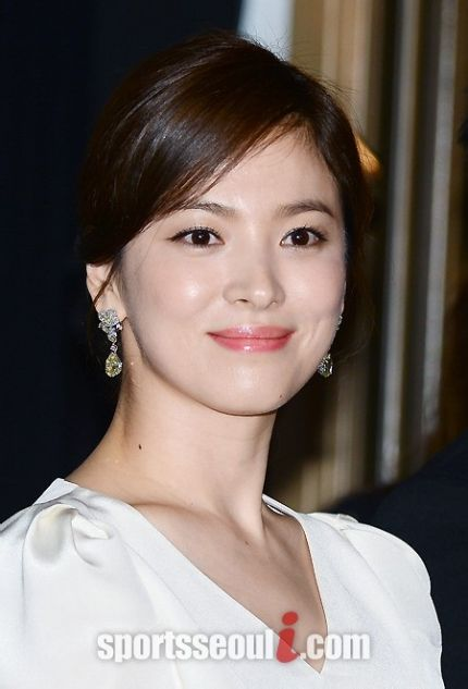 Song Hye Kyo khoe sắc tại LHP Cannes - 4