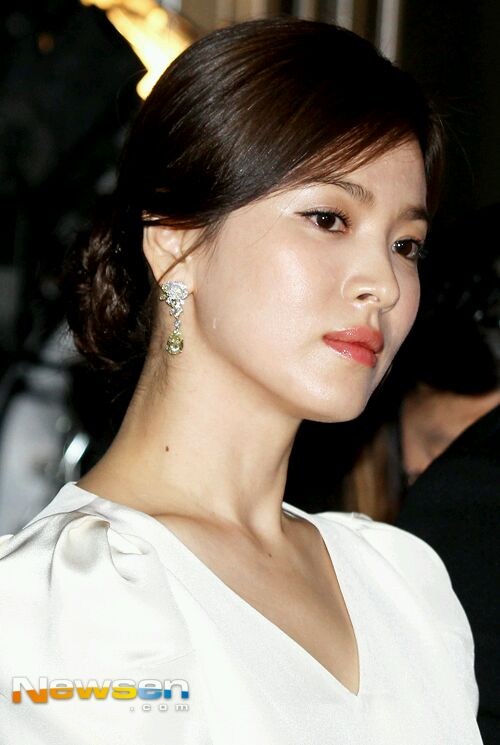 Song Hye Kyo khoe sắc tại LHP Cannes - 3