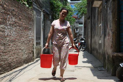 Dân Thủ đô nhịn tắm, ăn cháo vì mất nước - 4