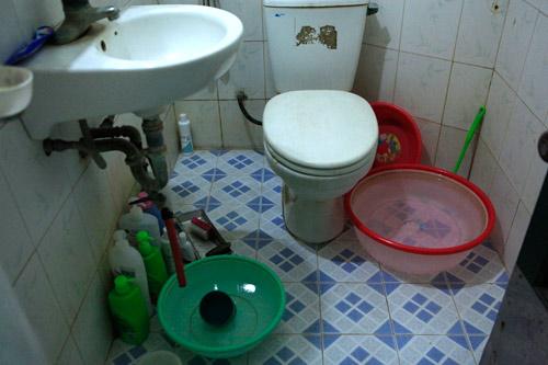 Dân Thủ đô nhịn tắm, ăn cháo vì mất nước - 8