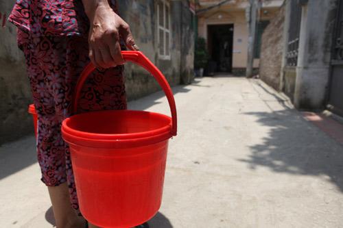 Dân Thủ đô nhịn tắm, ăn cháo vì mất nước - 15