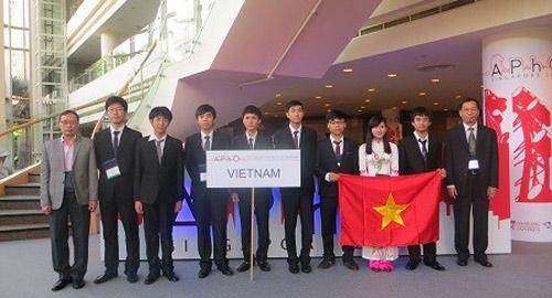 Nam sinh Nghệ An đạt HCV Olympic Vật lý châu Á 1400402932 olympic