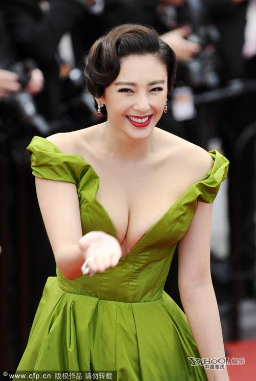 """Chặng đường """"lột xác"""" của mỹ nhân Hoa tại Cannes - 15"""