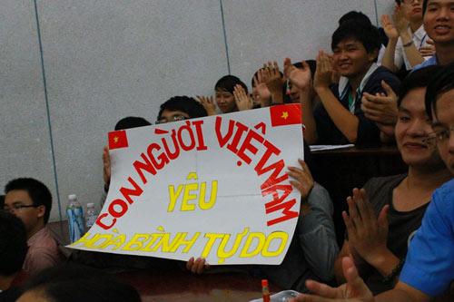 Tri thức TP.HCM mít tinh phản đối Trung Quốc - 2