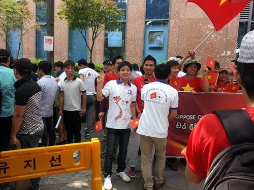 Người Việt tại Hàn Quốc biểu tình phản đối Trung Quốc - 3