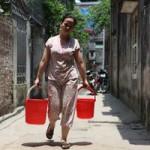 Tin tức trong ngày - Dân Thủ đô nhịn tắm, ăn cháo vì mất nước
