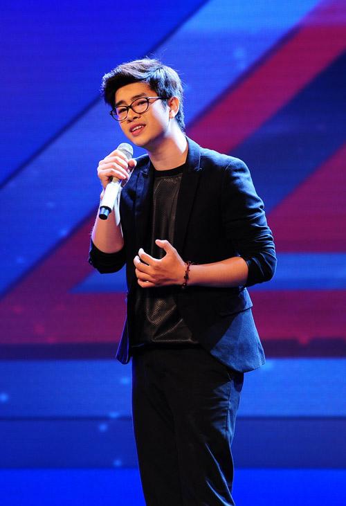 2 chàng trai làm trái quy định của X Factor - 2