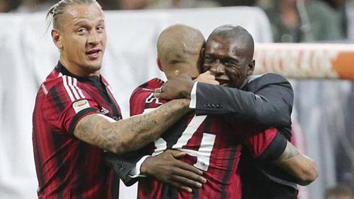 Milan - Sassuolo: 3 bàn thắng & 3 thẻ đỏ - 1