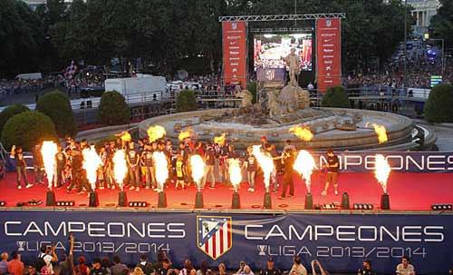 Diễu hành mừng công, Atletico phủ đỏ Madrid - 3