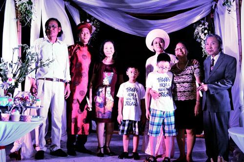 Khánh Linh: Mưa giông không cản được lễ cưới - 11