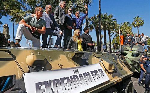 17 siêu sao hành động cưỡi xe tăng lên thảm đỏ Cannes - 6