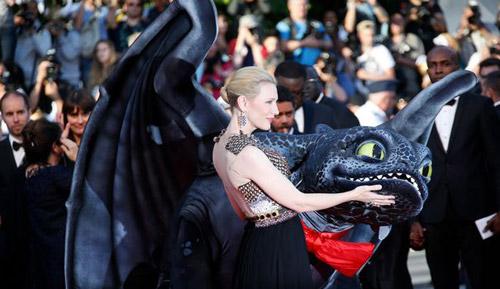 17 siêu sao hành động cưỡi xe tăng lên thảm đỏ Cannes - 9