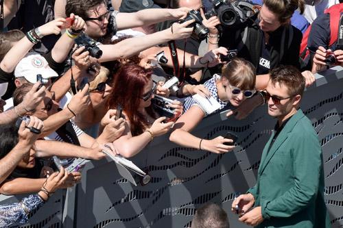 17 siêu sao hành động cưỡi xe tăng lên thảm đỏ Cannes - 11