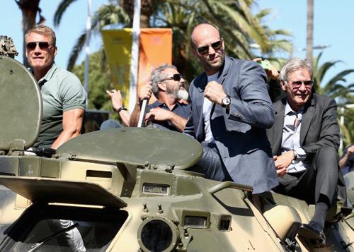 17 siêu sao hành động cưỡi xe tăng lên thảm đỏ Cannes - 4