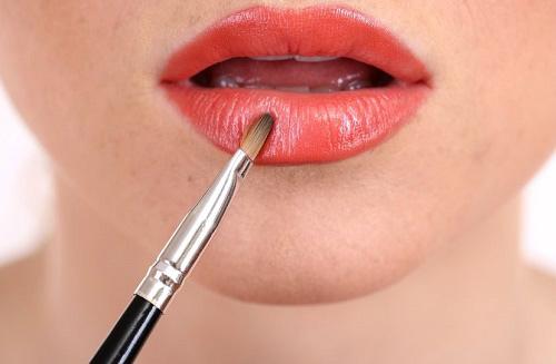 6 thủ thuật cho đôi môi đỏ gợi cảm - 1