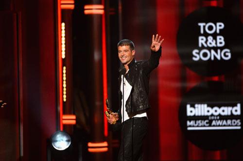 Tiết mục váy ngắn gây bão Giải âm nhạc Billboard - 7