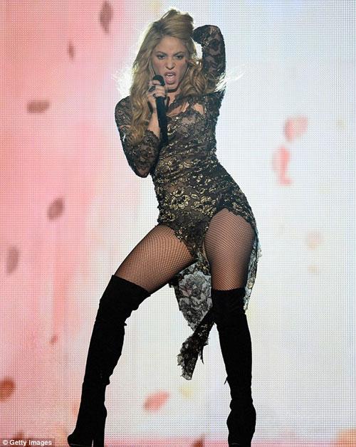 Tiết mục váy ngắn gây bão Giải âm nhạc Billboard - 5