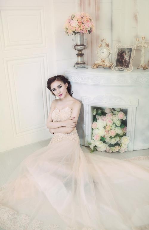 Hot girl Kelly đẹp mơ màng với váy cô dâu - 13