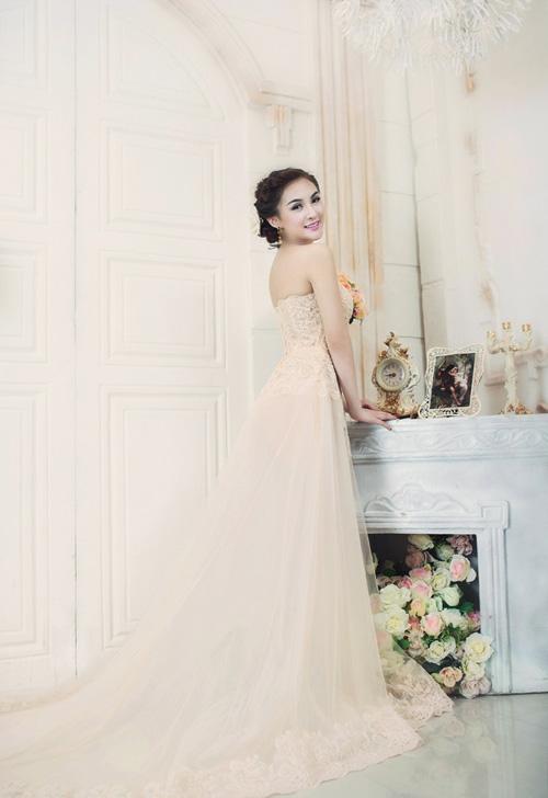Hot girl Kelly đẹp mơ màng với váy cô dâu - 14