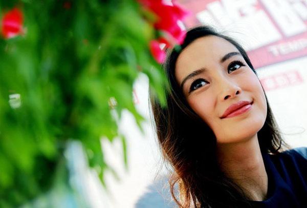 Angelababy không ngại sống với bố mẹ Huỳnh Hiểu Minh - 8