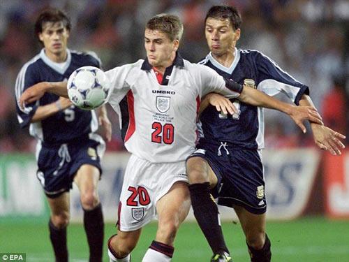 """World Cup còn 25 ngày: ĐT Anh của những """"Owen"""" - 1"""