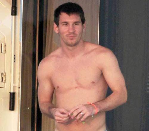 """Ronaldo """"ăn đứt"""" Messi về thể lực - 1"""