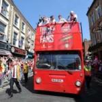 Bóng đá - Arsenal tưng bừng mang cúp tri ân CĐV
