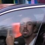 """Bóng đá - Dani Alves giơ """"ngón tay thối"""" với fan Barca"""