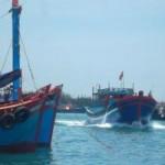 Tin tức trong ngày - Tàu Trung Quốc rượt đuổi, táo tợn tấn công ngư dân VN