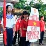 Bạn trẻ - Cuộc sống - HS Kim Liên xếp hình đất nước, biển đảo Việt Nam