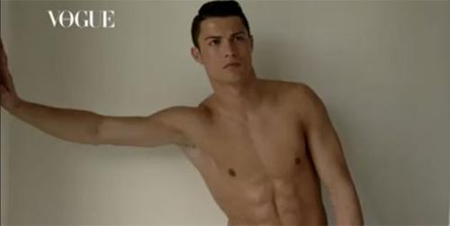 Ronaldo khoe cơ bắp cuồn cuộn bên bạn gái - 5