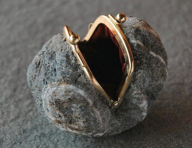 Những hòn đá biến thành đồ vật thật đến khó tin - 5
