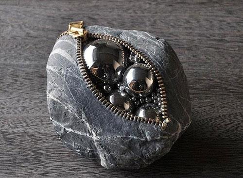 Những hòn đá biến thành đồ vật thật đến khó tin - 6