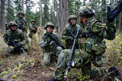 Nhật xây một loạt tiền đồn phòng ngừa Trung Quốc - 2