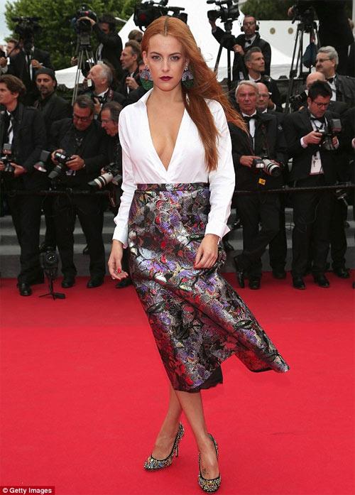Người mẫu Pháp hồn nhiên lộ ngực tại Cannes 2014 - 8