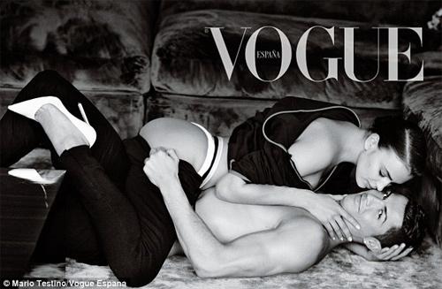 Người mẫu Pháp hồn nhiên lộ ngực tại Cannes 2014 - 10