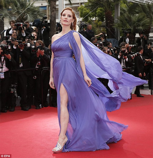 Người mẫu Pháp hồn nhiên lộ ngực tại Cannes 2014 - 7