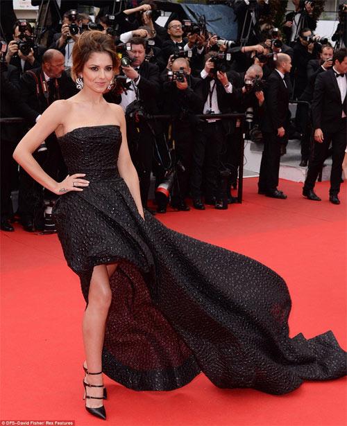 Người mẫu Pháp hồn nhiên lộ ngực tại Cannes 2014 - 5