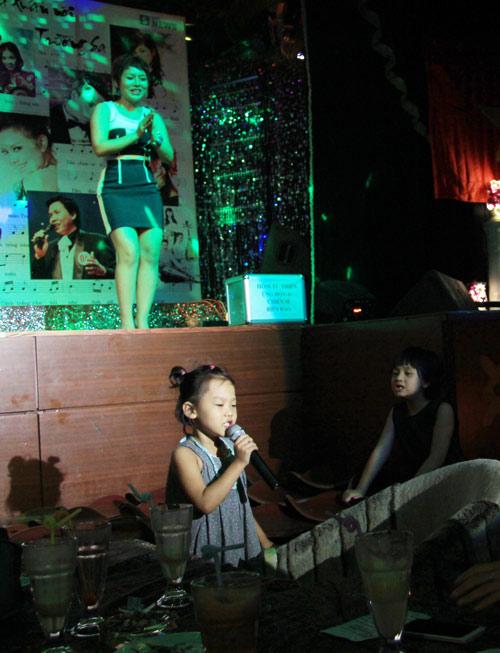 Con gái 6 tuổi của Thái Thùy Linh hát vì biển đảo - 5