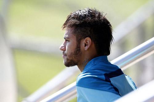 Thương hiệu Neymar giảm mạnh, Messi ngoài top 10 - 1