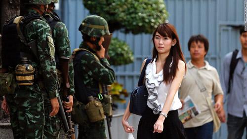 Thái Lan thiết quân luật: Chính phủ bất ngờ - 1