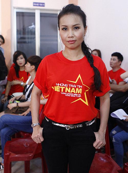 Hàng trăm sao Việt hát về Biển Đông gây sốt - 12