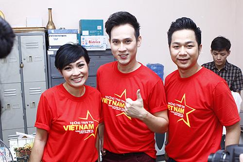 Hàng trăm sao Việt hát về Biển Đông gây sốt - 5