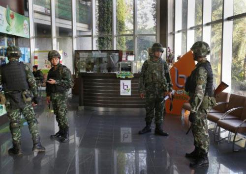 Chùm ảnh: Thái Lan trong tình trạng thiết quân luật - 15