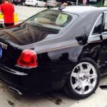 Ô tô - Xe máy - Rolls-Royce Ghost gãy trục sau vì Toyota Corolla