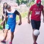 Bóng đá - Ferdinand ''ăn đứt'' Aguero khả năng tâng bóng